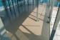 2階床のALCコンクリート敷き込み後、水平精度を高めるためにレベラーを流します。